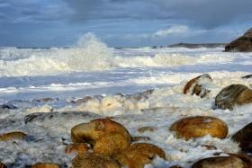PORT BARA;SAINT PIERRE QUIBERON;BORD DE MER;SEASHORE;VAGUES;WAVES;HOULE;SWELL;ECUME;FOAM