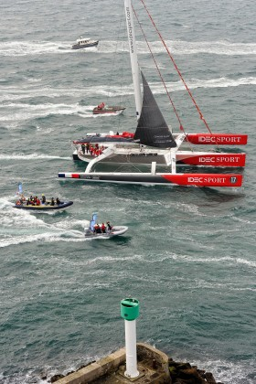 AROUND THE WORLD;COURSE;IDEC;JOYON;LARGE;OFFSHORE RACE;RECORD;SAILING;TOUR DU MONDE;TROPHEE;VERNE;VOILE;BREST