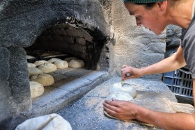 ATRE;BAKER;BOULANGER;BREAD;FOUR;OVEN;PAIN;STOVE;TRADITION;GRIGNE;SLASH