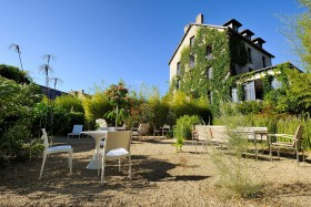 ACCOMODATION;HOTEL;LOGEMENT;JARDIN;GARDEN;PATIO