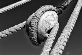 ACCASTILLAGE;BLACK AND WHITE;BLOCK;DECK FITTINGS;GREEMENT;NOIR ET BLANC;POULIE;RIGGING;CORDAGE;ROPE
