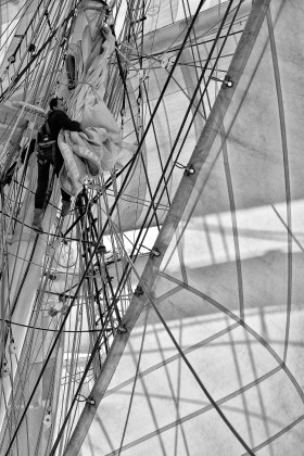 ACCASTILLAGE;BLACK AND WHITE;CORDAGE;DECK FITTINGS;GREEMENT;NOIR ET BLANC;RIGGING;ROPE;VOILE;SAIL