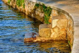 BORD DE MER;SEASHORE;MARCHE;STEP;ESCALIER;STAIRWAY;GRANIT;GRANITE;EAU;WATER